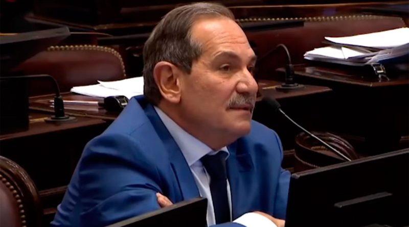 Piden la renuncia de Alperovich en Senado