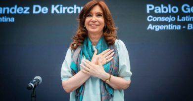 Contracumbre: CFK cuestionó al gobierno