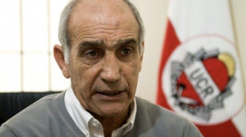 Daniel Salvador, el vice de Vidal, condenó «la intromisión militar» en Bolivia