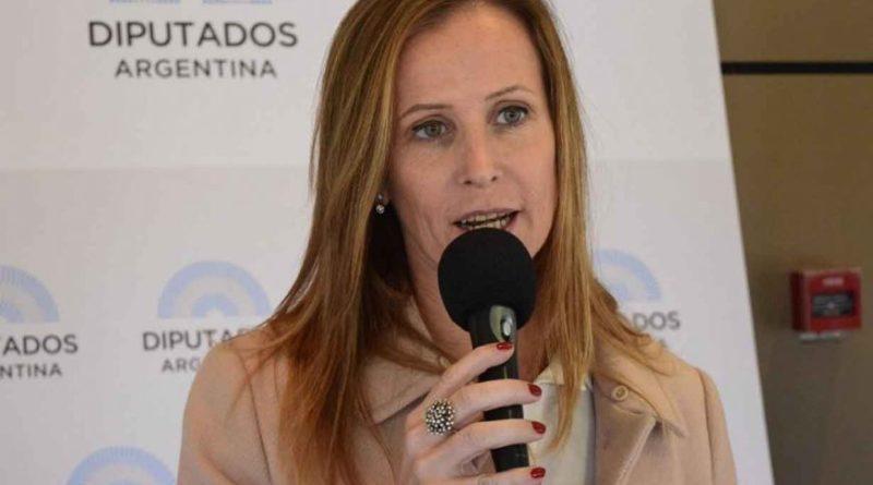 Diputada Cresto propone construir escuelas y ponerle el nombre de los tripulantes del ARA San Juan
