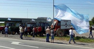 Productores cordobeses protestaron en la ruta