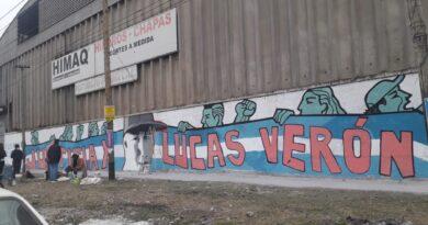 Mural conmemorativo por la muerte de Lucas Verón